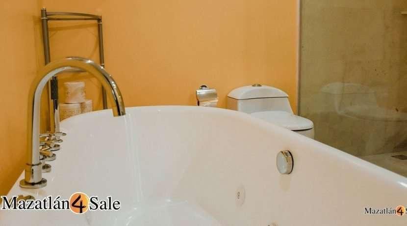 Mazatlan-4 bedrooms in Peninsula Condo- For Sale-14