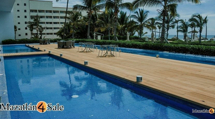 Mazatlan-4 bedrooms in Peninsula Condo- For Sale-17