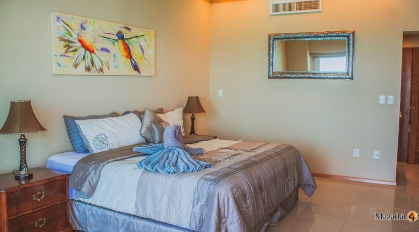 Mazatlan-3 bedrooms in Paraiso I Condo-For Sale-12