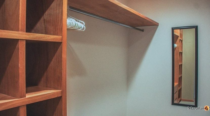 Mazatlan-3 bedrooms in Paraiso I Condo-For Sale-11