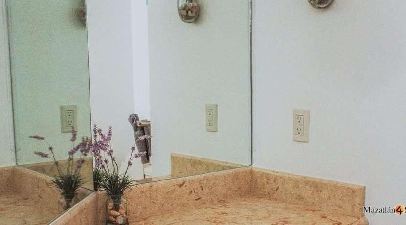 Mazatlan-3 bedrooms in Paraiso I Condo-For Sale-10