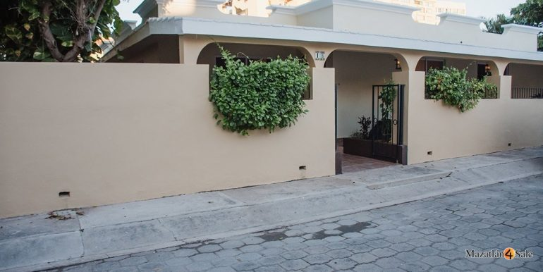 Mazatlan-Real-Estate-3 bedrooms in Playa Linda House For Sale-41