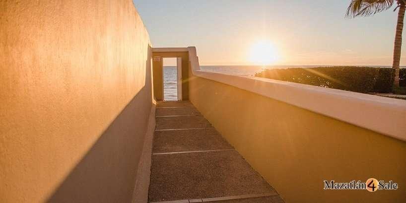 Mazatlan Private Home in Playa Linda
