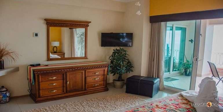 Mazatlan-2 bedrooms in Paraiso-I-Condo-For-Sale-3
