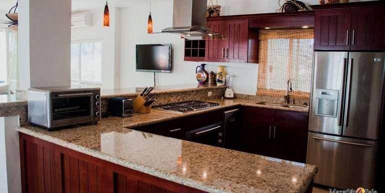 Mazatlan  2 bedrooms in Beachfront Home For Sale (23)