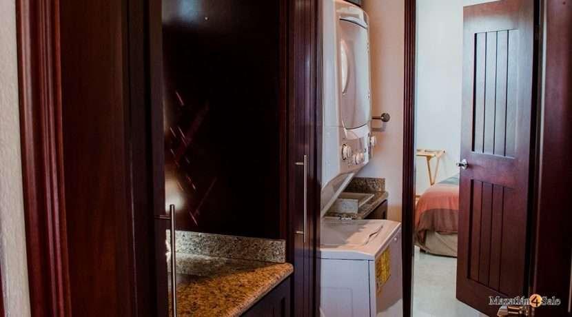 Mazatlan  2 bedrooms in Beachfront Home For Sale (32)