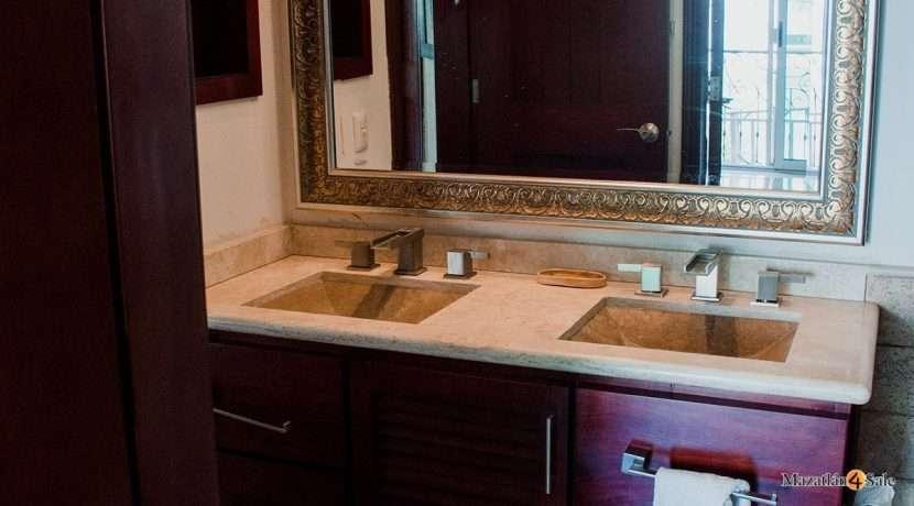 Mazatlan  2 bedrooms in Beachfront Home For Sale (39)