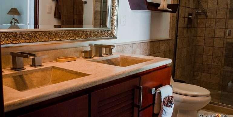 Mazatlan  2 bedrooms in Beachfront Home For Sale (41)