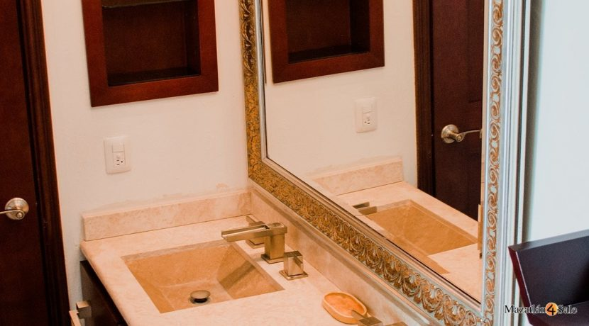 Mazatlan  2 bedrooms in Beachfront Home For Sale (44)