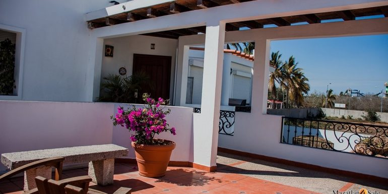 Mazatlan  2 bedrooms in Beachfront Home For Sale (56)