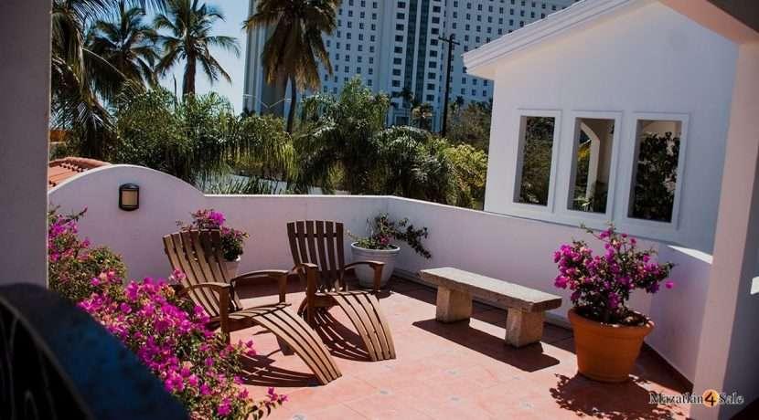 Mazatlan  2 bedrooms in Beachfront Home For Sale (59)