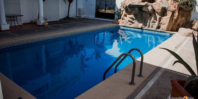Mazatlan  2 bedrooms in Beachfront Home For Sale (61)