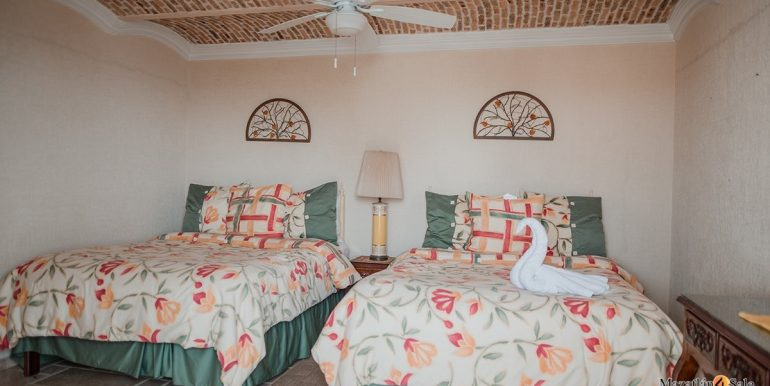 Mazatlan 1 bedroom in La Marina Tenis and Yacht Club Condo For Sale 2