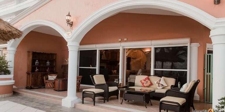 Mazatlan - 2 bedrooms in Playa Linda-OceanFront-For Sale-Mazatlan4Sale-11
