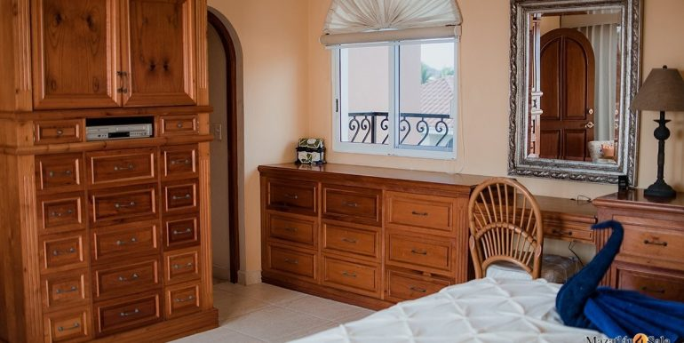 Mazatlan - 2 bedrooms in Playa Linda-OceanFront-For Sale-Mazatlan4Sale-15