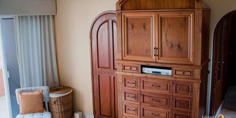 Mazatlan - 2 bedrooms in Playa Linda-OceanFront-For Sale-Mazatlan4Sale-17