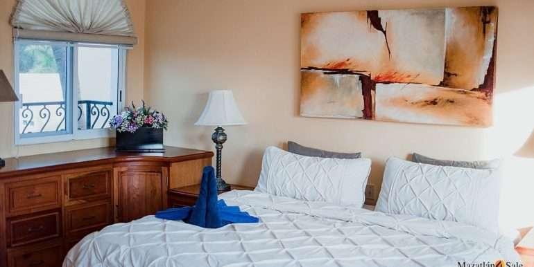 Mazatlan - 2 bedrooms in Playa Linda-OceanFront-For Sale-Mazatlan4Sale-20