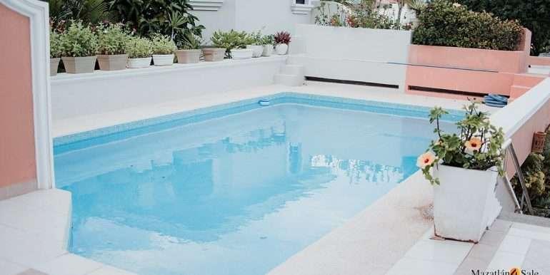 Mazatlan - 2 bedrooms in Playa Linda-OceanFront-For Sale-Mazatlan4Sale-27