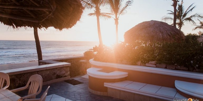 Mazatlan - 2 bedrooms in Playa Linda-OceanFront-For Sale-Mazatlan4Sale-36