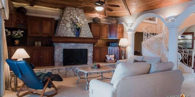 Mazatlan- 2 bedrooms in Playa Linda-OceanFront-For Sale-Mazatlan4Sale-4
