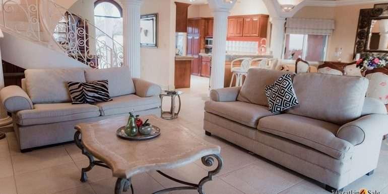 Mazatlan-2 bedrooms in Playa Linda-OceanFront-For Sale-Mazatlan4Sale-44