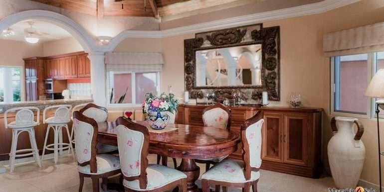 Mazatlan - 2 bedrooms in Playa Linda-OceanFront-For Sale-Mazatlan4Sale-6
