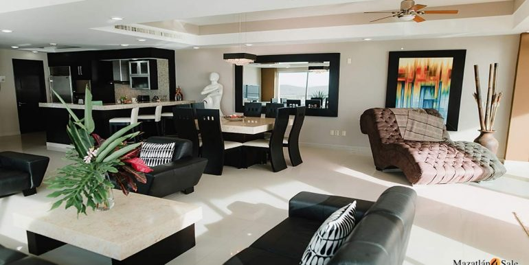 Mazatlan-2 bedrooms in Solaria-Penthouse For Sale-Mazatlan4Sale -18