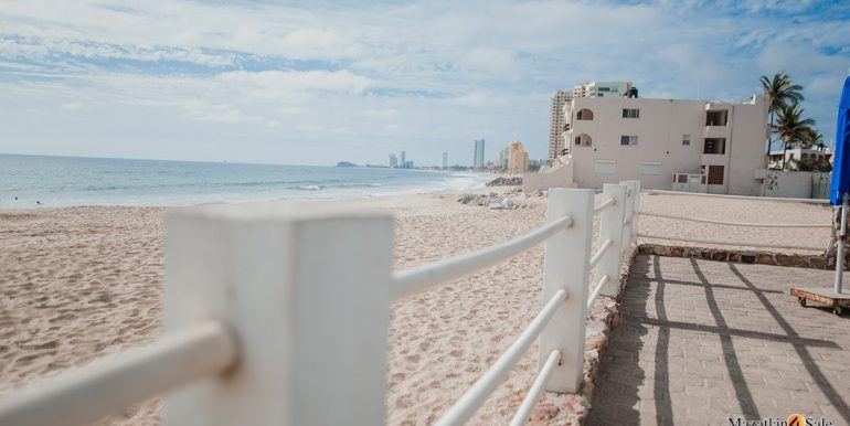 Mazatlan 1 bedroom in La Marina Tenis & Yacht Club For Sale (3)