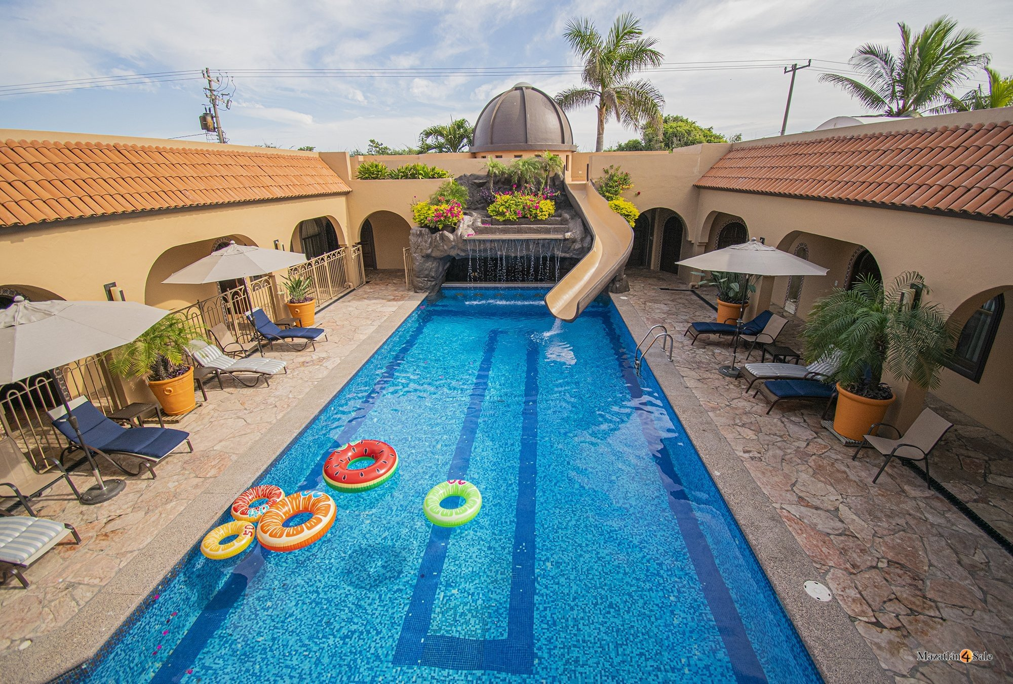 Mazatlan Delfin Beachfront Estate