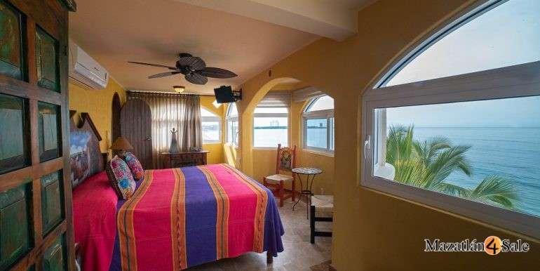 Mazatlan Oceanfront Homes For Sale (18)