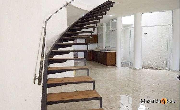 4EB-GP6712 stairs kitchen
