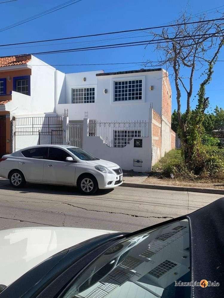 Private Home In El Toreo
